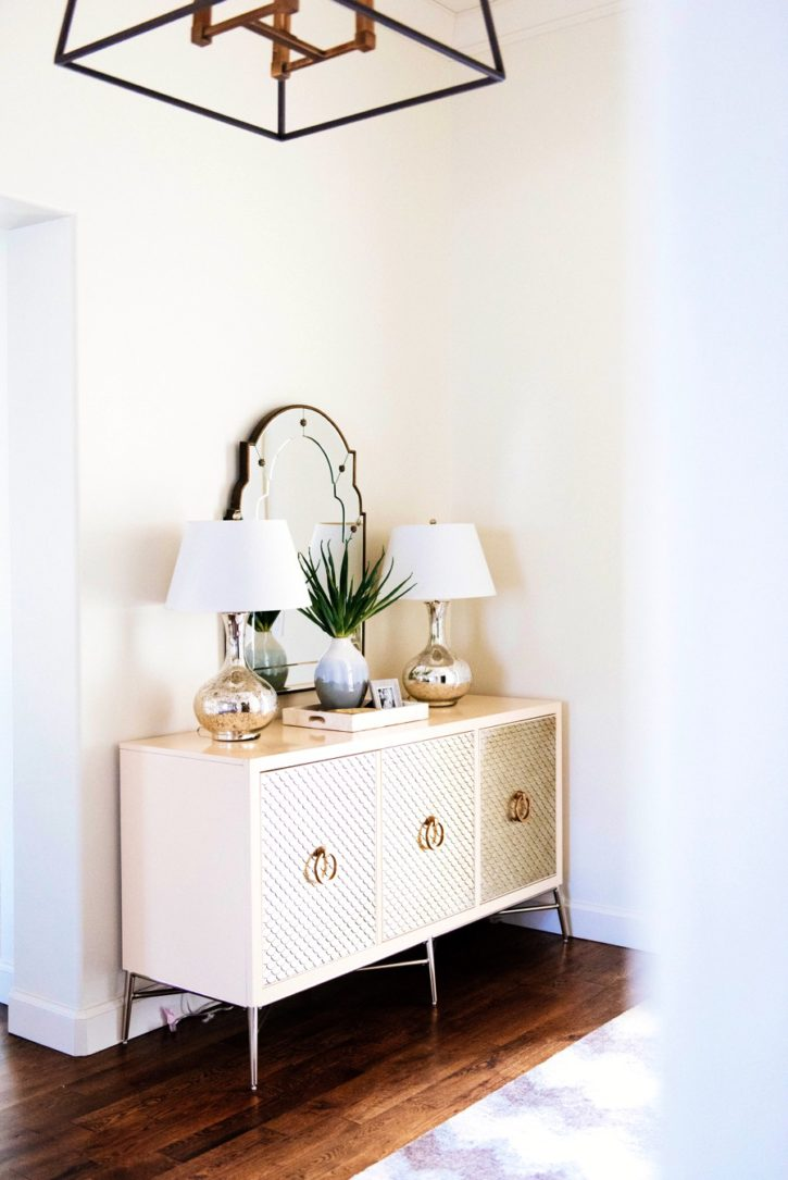 how to decorate console table